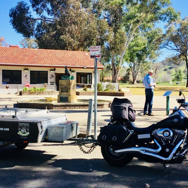 Dog on the Tucker Box - Gundagai